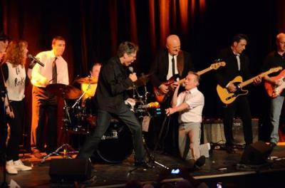 Les Socquettes Blanches (Concert Rock Sixties au Théâtre du Gymnase Paris).Clip vidéo .